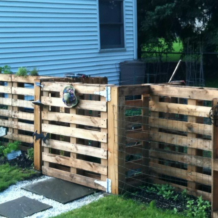 Single Pallet Fence With Gate