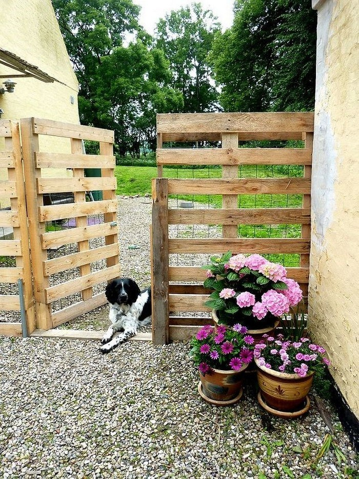 Wide Pallet Wooden Gate