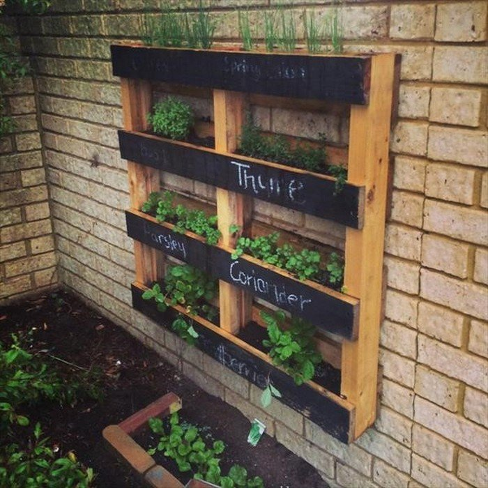 Garden Wall Wood Pallet Décor