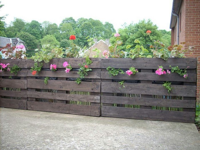 Wood Pallet Flower Fence
