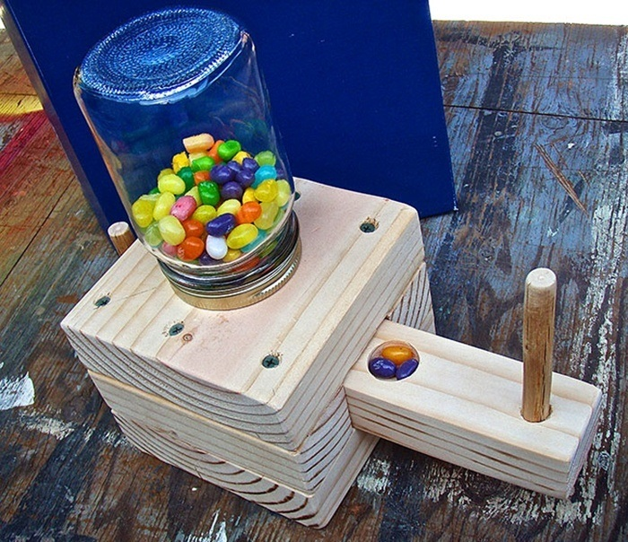 Make a candy dispenser via Boys'Life