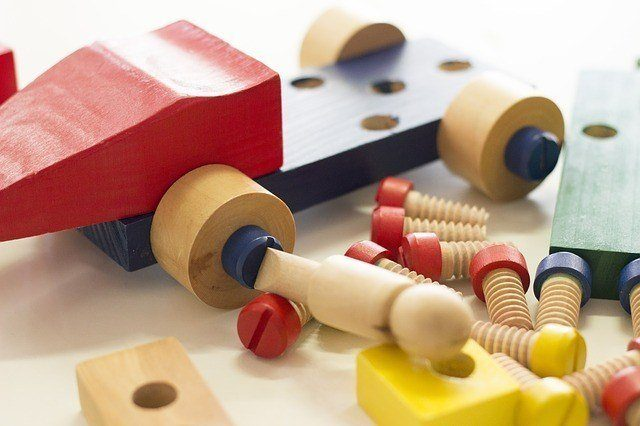 11 Woodworking Projects For Kids Quick Easy Wood Crafts