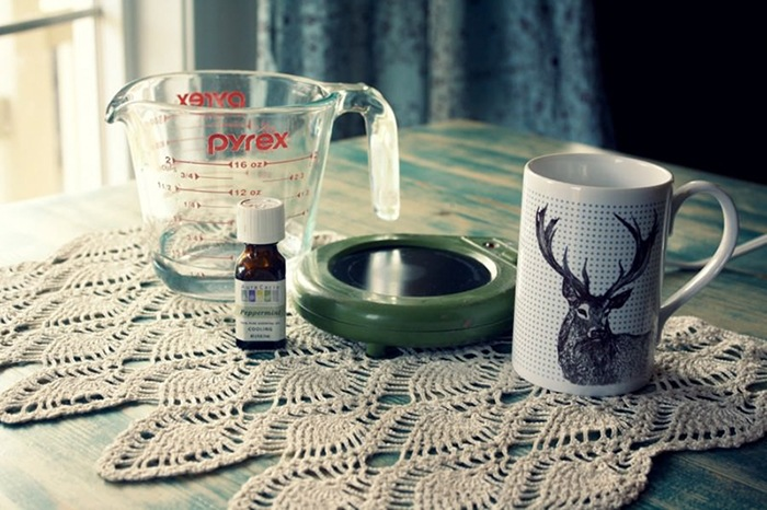 HOMEMADE ESSENTIAL OIL DIFFUSER via THE HOMEMADE EXPERIMENT